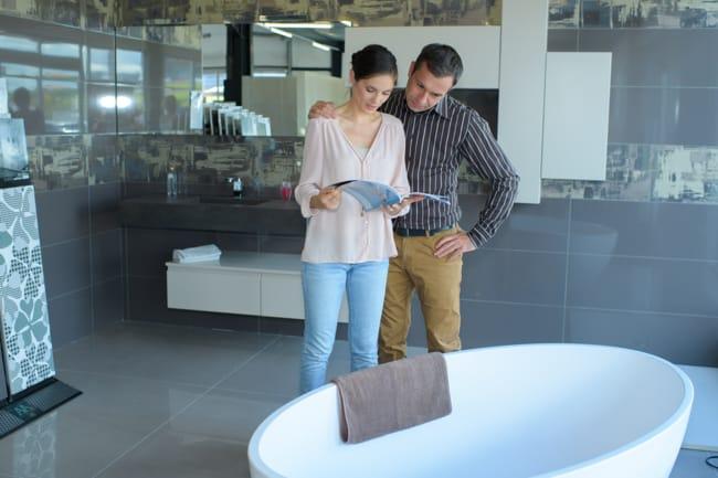 Badplanung für die Einrichtung eines neuen Badezimmer